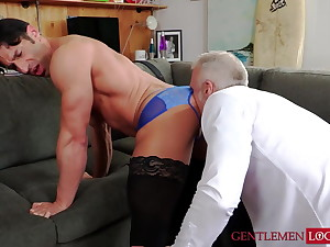 Hot hunk Dallas Steele aggravation rimmed for ages c in depth wearing stockings