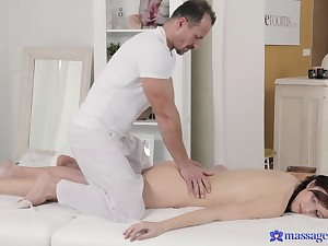 Eye-catching brunette gets her lady garden massaged with man dimension to
