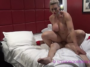 Tissue Girl Fucking On Bed