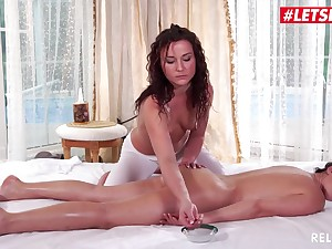 LETSDOEIT - Lustful Masseuse Has Erotic Lesbian Rub down Sex (Nikky Sweet & Tess Lyndon) - Tess lyndon