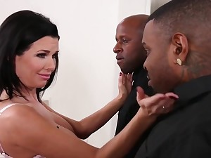 Veronica Avluv MILF interracial porn movie