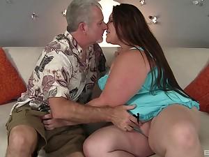 Fat ass lay woman receives an elderly blarney for some horrific fun