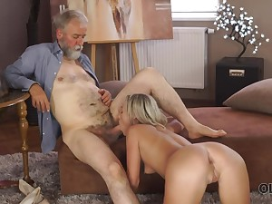 An old fart fucks a pretty young main at home and that chick is so randy