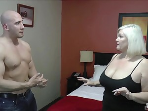 Chubby mature Lacey Starr enjoys having sex with a muscular panhandler