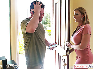 Mega busty mommy Sara Footle gives a titjob together with bangs one young coxcomb