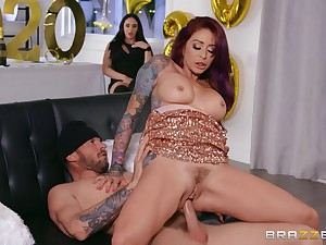 Mommy rides it in insane process until rub-down the last drop